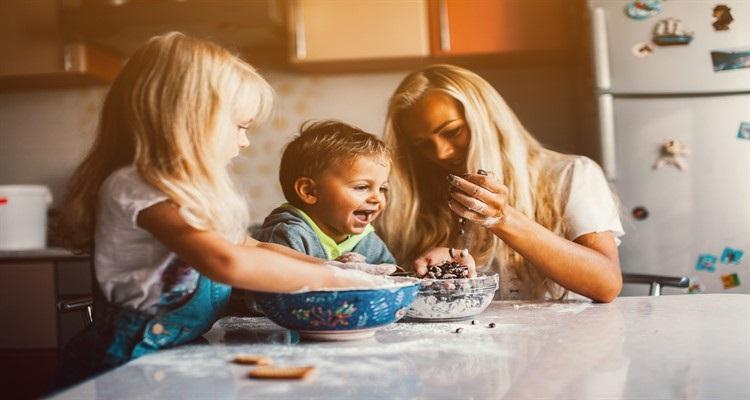 Donne tra il diritto al lavoro e il diritto alla famiglia